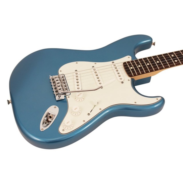 Fender Standard Stratocaster In Lake Placid Blue