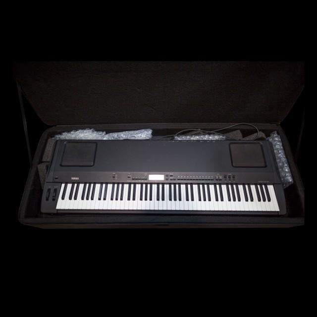yamaha p200 digital piano. Black Bedroom Furniture Sets. Home Design Ideas