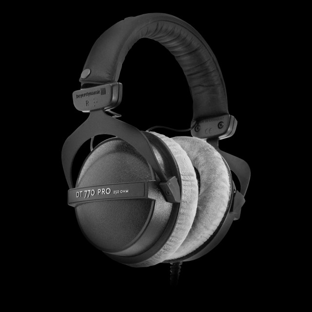 dc2b156e063 Beyerdynamic DT770 PRO Studio Headphones - 250-Ohm