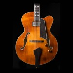 Eastman AR580CE-HB Honeyburst Archtop Guitar
