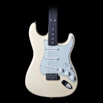 Fender Custom Shop 1964 Closet Classic Stratocaster in Aged Vintage White