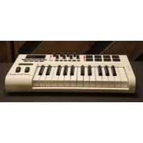 M Audio Axiom Pro 25 (White)