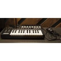 Akai Advance 25 MIDI Controller