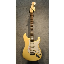 Fender Yngwie Malmsteen Signature Strat in Vintage White