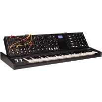 Moog Minimoog Voyager XL Tolex Edition Monophonic Synthesizer
